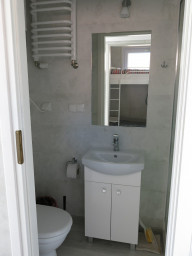 Holiday cottage for 6 person - restroom